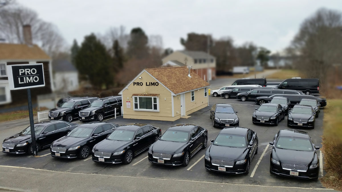 Cape cod limousine services and party bus limo pro limo our centrally located cape cod limo service has been providing excellent service to the entirety of cape for well over a decade whether you are a full time colourmoves